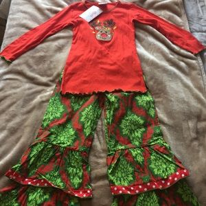 NWT Adorable Matching Christmas Outfit! Size 7/8
